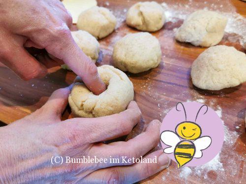 Bumblebees ketogene Bagels mit Sesamkruste
