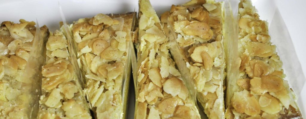 Ketogener Bienenstich Torte ohne Zucker Rezept alla Bumblebee
